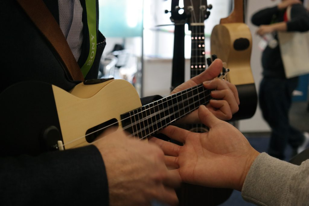 could this self teaching ukulele spell the end of the guitar teacher the big tech question. Black Bedroom Furniture Sets. Home Design Ideas